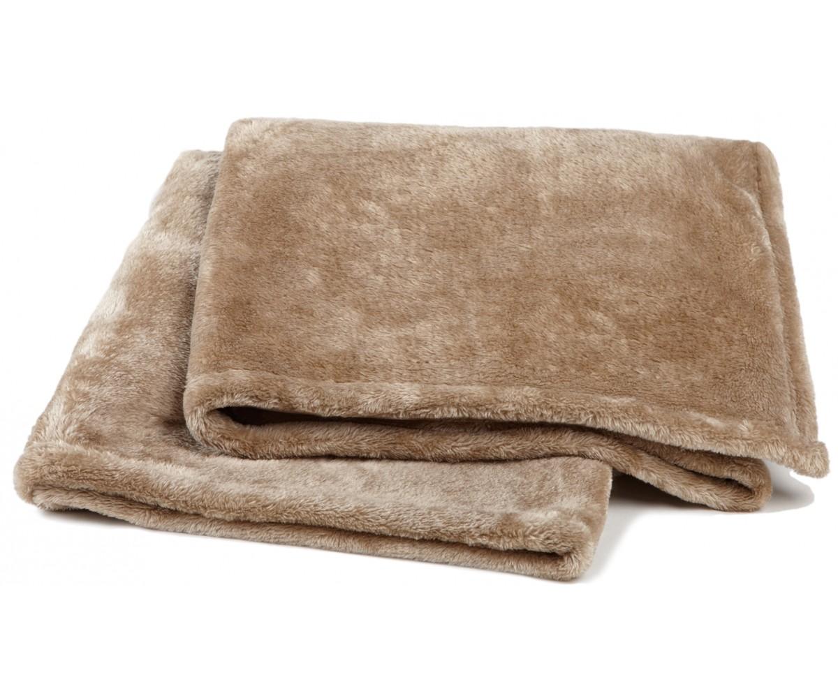 Plushera Throw Blanket